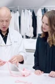 وثائقي مشاغل Dior