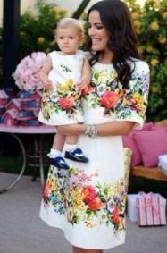 أزياء متطابقة للأم وابنتها!