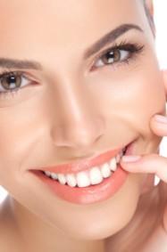 3 مكونات طبيعية لتخفيف التجاعيد حول الفم