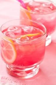 منعش: طريقة تحضير شراب الورد البارد