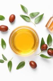 6 فوائد جمالية لزيت الجوجوبا