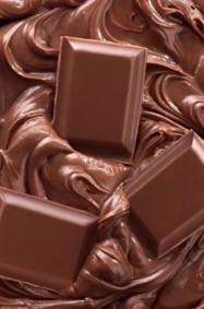 لماذا تعشق النساء الشوكولا؟