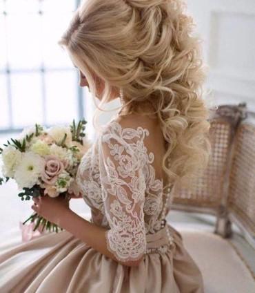 يا عروسة: إليك التسريحات المثالية لشتاء 2017!