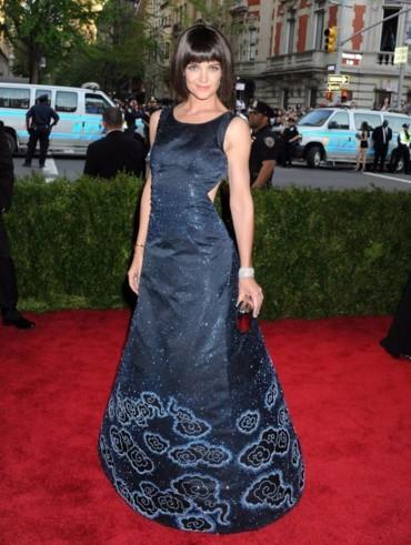 لماذا تحتفظ كايتي هولمز بفساتين ال Met Gala؟