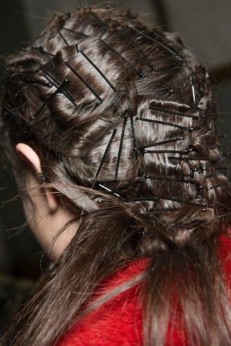 عودة دبابيس الشعر لهذا الخريف!