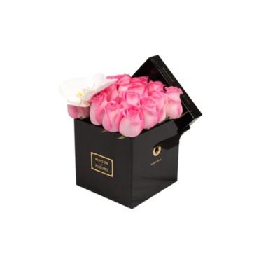 ميزون دي فليرز تدعم مرضى سرطان الثدي بأزهارها الوردية