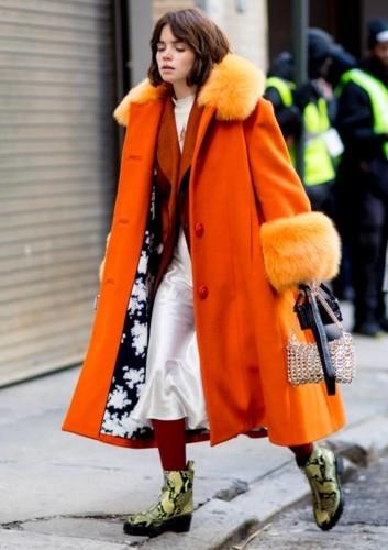 تجرأي على ارتداء البرتقالي هذا الربيع