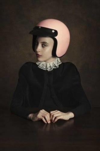 المعرض الفردي الأول للمصورة رومينا ريسيا