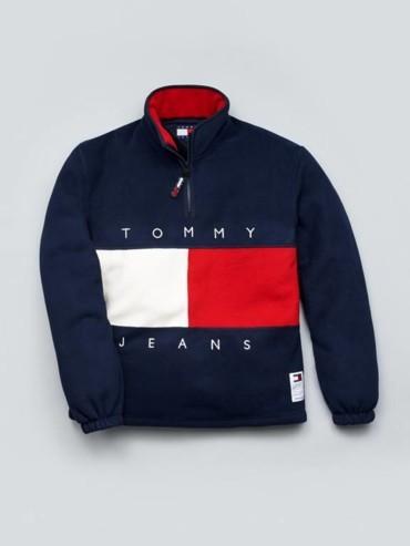 تومي هيلفيغر تطرح إصدار محدود من مجموعة TOMMY JEANS