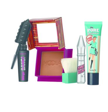 مجموعات هدايا الأعياد من Benefit Cosmetics