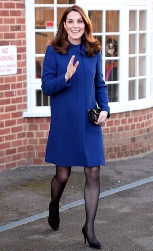 اللون الأزرق الملكي على طريقة كيت ميدلتون