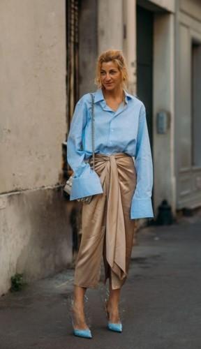 20 صورة تعلّمك إرتداء الأزرق الفاتح بكل أناقة