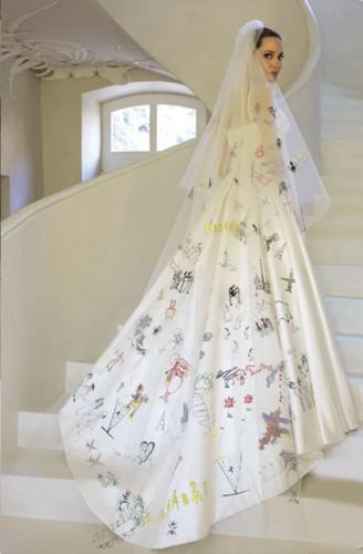 أغرب فساتين الزفاف لنجمات العالم
