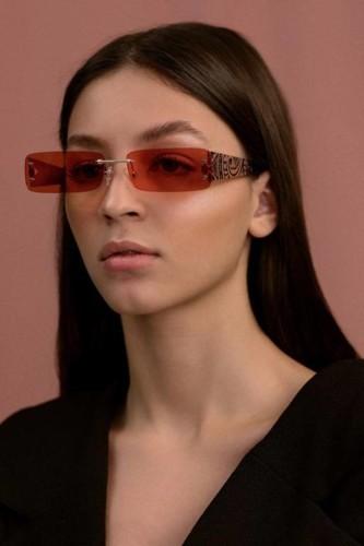 Okhtein للحقائب تطلق أول مجموعة نظارات