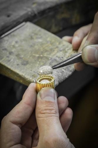 مجموعة بيرليه الجديدة من تراث دار فان كليف أند آربلز
