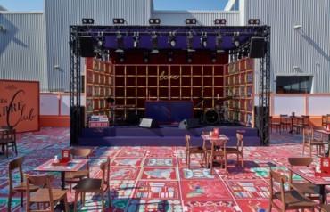 معرض Hermès Carré Club للأوشحة الحريرية في دبي
