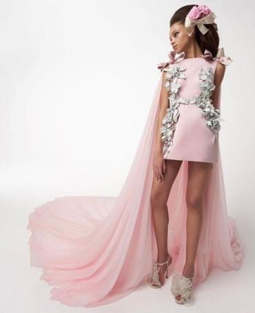 فساتين خطوبة باللون الزهري لعروس 2021