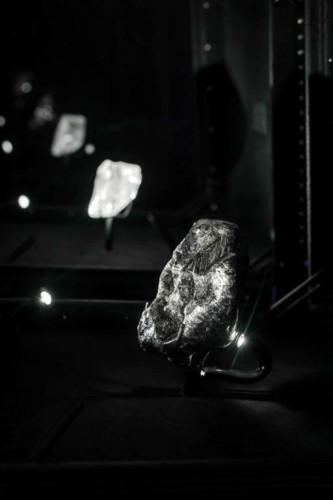 Louis Vuitton وعرض خاص لأهم المجوهرات
