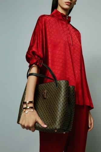كارولينا هيريرا تقدم أكسسوارات خاصة بشهر رمضان