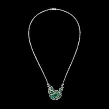 إكتشفي مجوهرات Dior Rose المستلهمة من الوردة