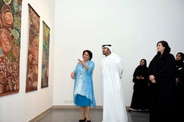الفنانة العربية ثريا البقصمي في متحف الشارقة للفنون