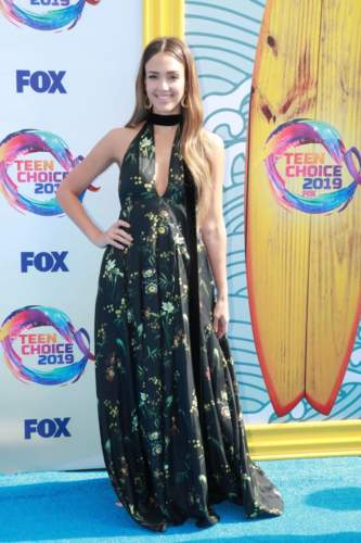 أجمل التصاميم من حفل Teen Choice Awards