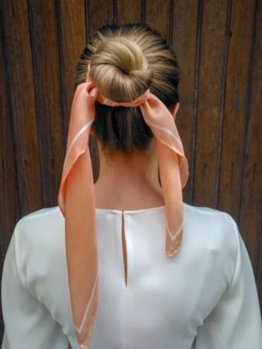 أفكار سهلة لتصففي شعرك بالوشاح