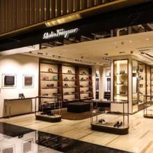سلفاتوري فيراغامو ومتجر جديد في دبي مول