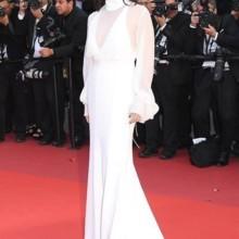 جولييت بينوش تتألّق بأزياء دار كلوي