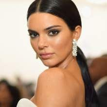 مجوهرات Tiffany & Co تضيء حفل الميت غالا