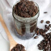 ماسك القهوة للعيون المرهقة والهالات السوداء