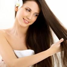 5 طرق للتخلص من مشكلة تزيت الشعر في الصيف!