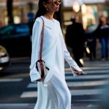 الفساتين الطويلة موضة الشتاء، كيف ترتدينها؟