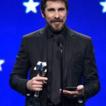 مجوهرات كارتييه تحتلّ حفل Critics' Choice Awards