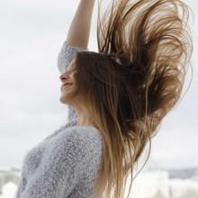 ودّعي تساقط الشعر بخلطة الأعشاب