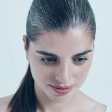 تخلّصي من الشعر الأبيض بـ3 خلطات طبيعية