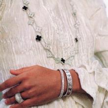 حرفية عريقة مع مجوهرات فان كليف أند آربلز