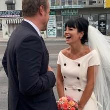 لن تتخيّلي كلفة فستان زفاف ليلي آلن